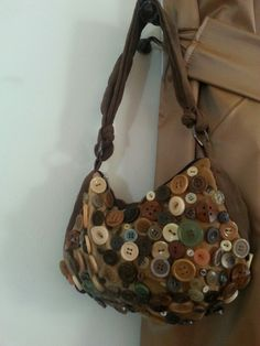 DIY - Handbag made from buttons